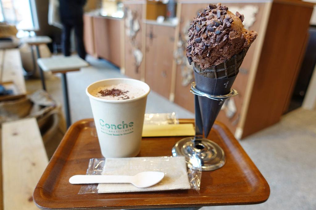 チョコレートドリンクとチョコレートアイス
