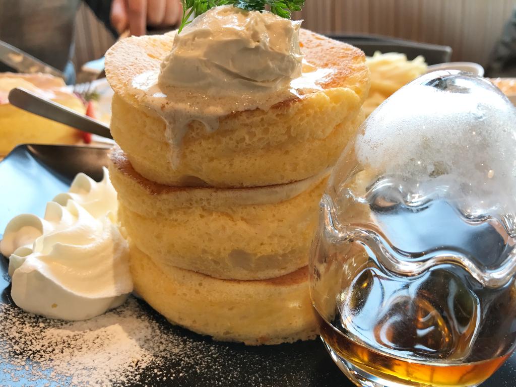 日の出たまごのプレミアムパンケーキ