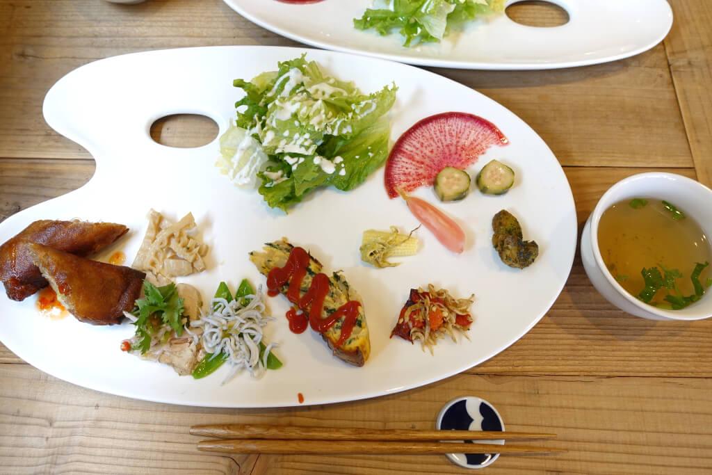 パレット皿の前菜