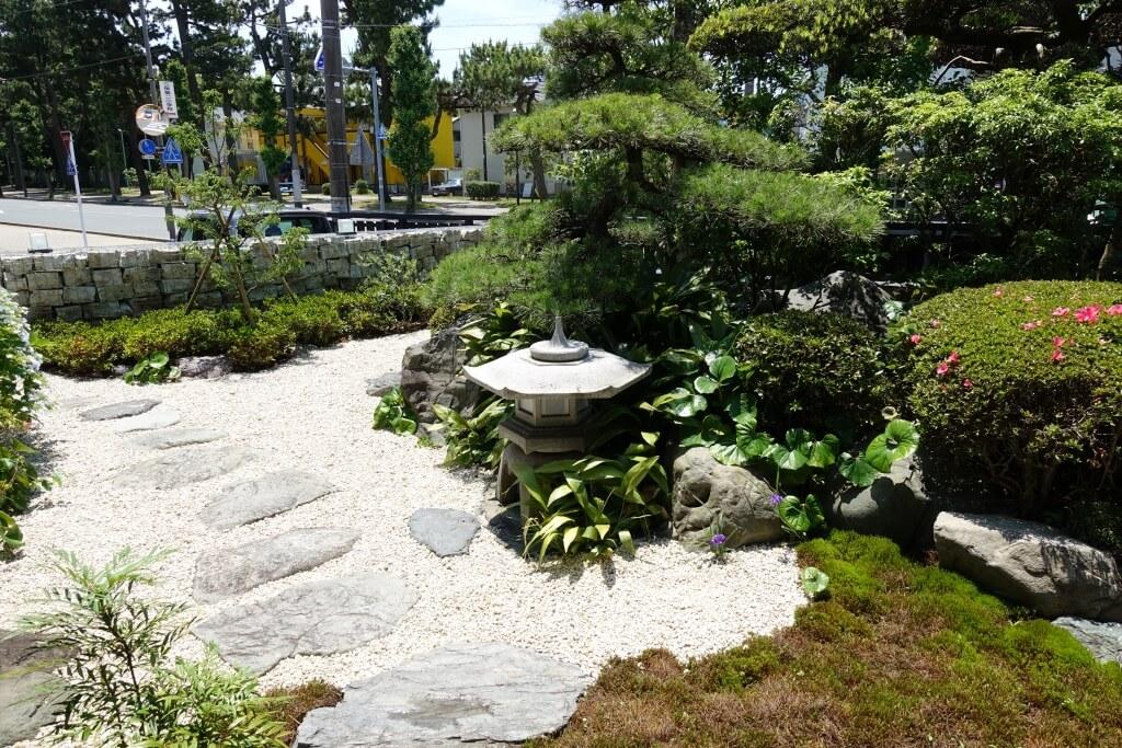 「みふくさぼう」のお庭