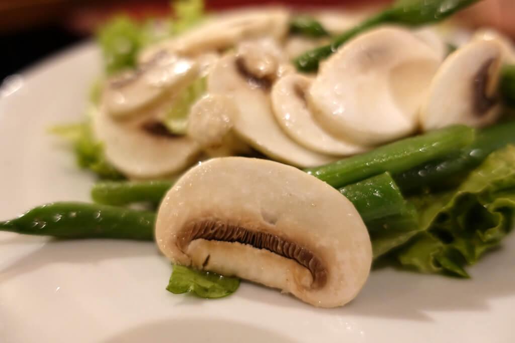 富士宮マッシュルームのサラダ