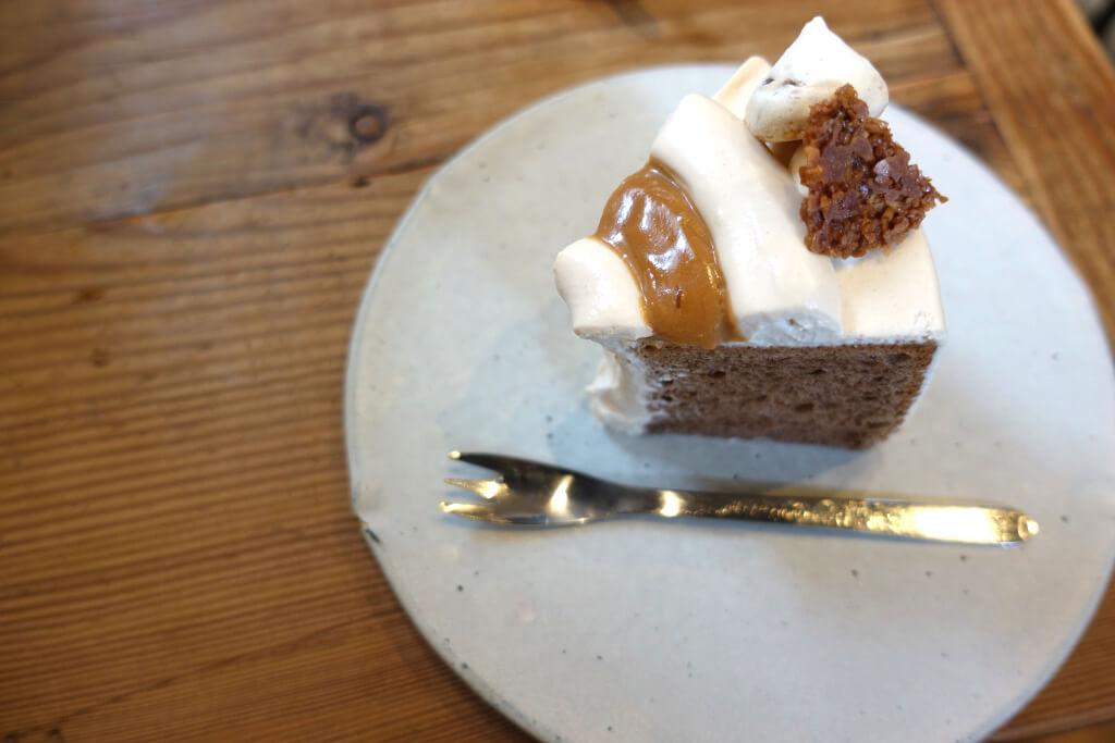 アーモンドチョコレートシフォンケーキ