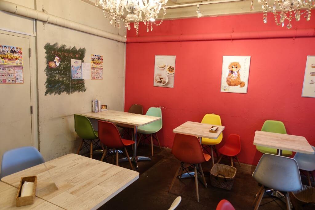 「すずとらカフェ」の店内
