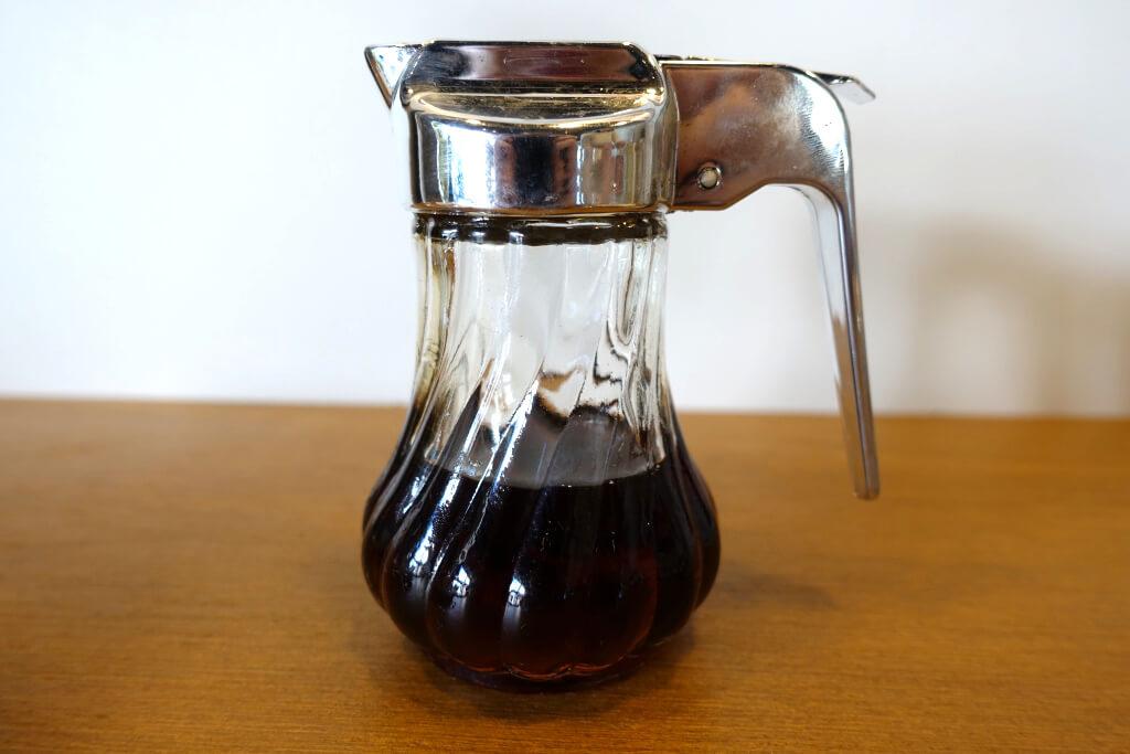 抹茶ラテにかけるシロップ