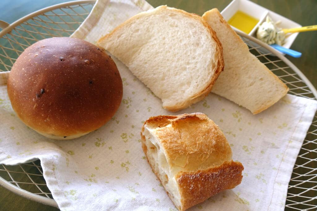 パンの盛り合わせ