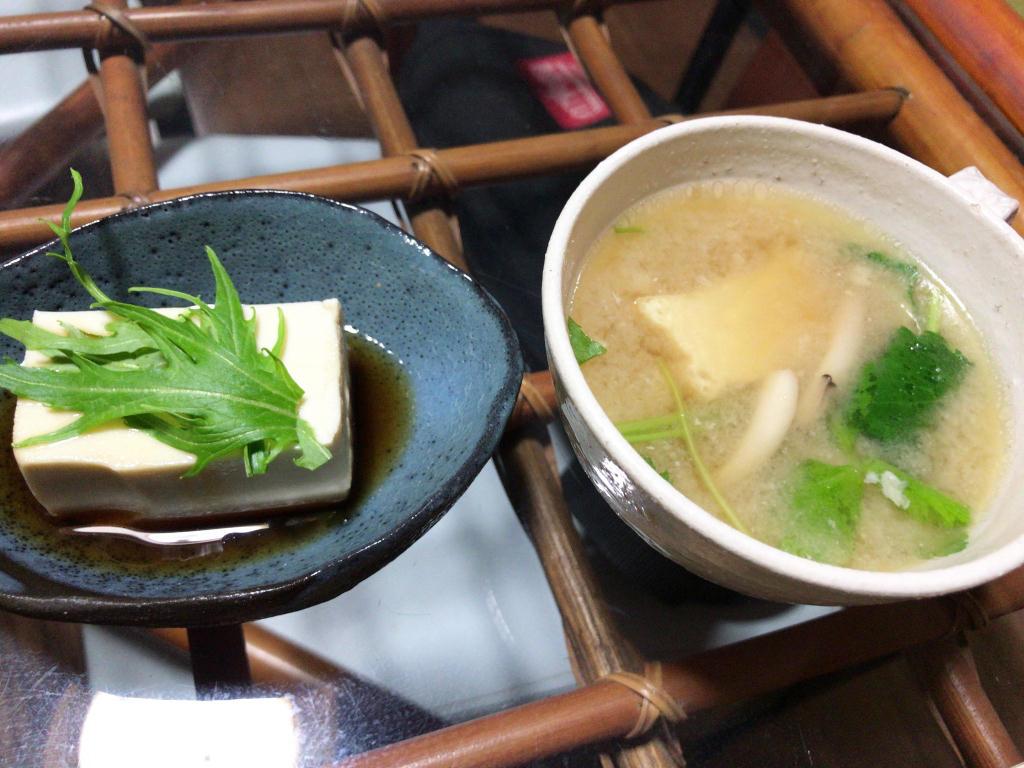 湯豆腐と味噌汁
