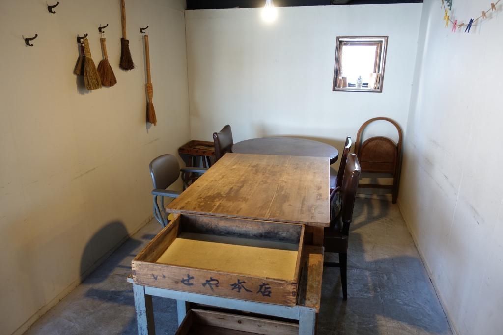 「ひねもすカフェ」の席