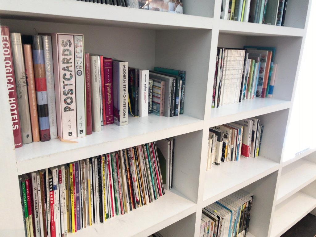 本棚もあり
