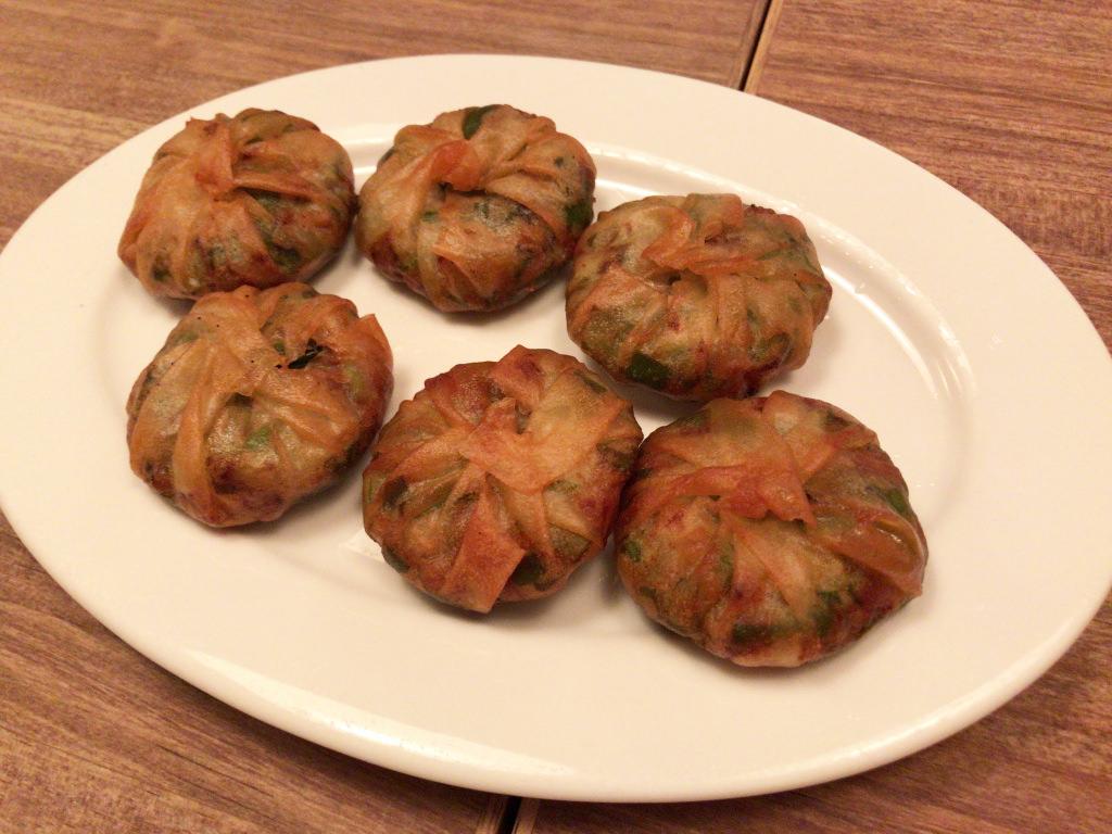 韮饅頭(ニラまんじゅう)