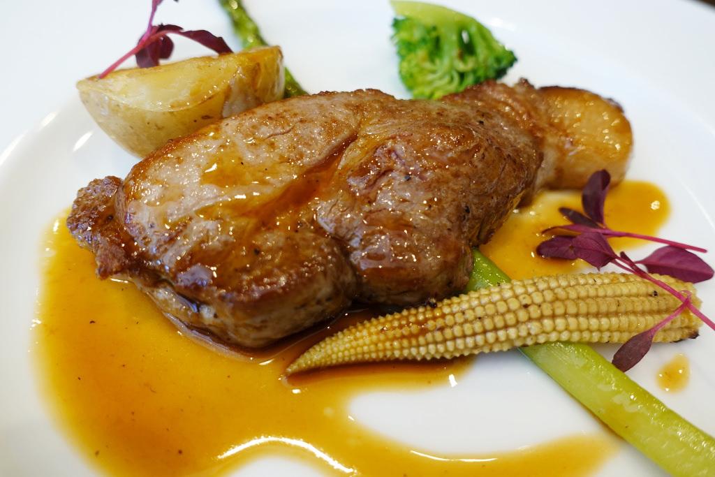 静岡県ふじのくに豚肩ロースのステーキ