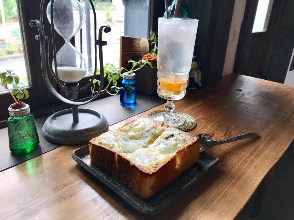 ゴルゴンゾーラのトースト