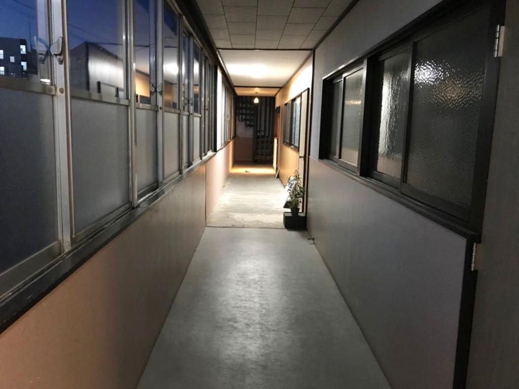 佐野菓子店までの廊下