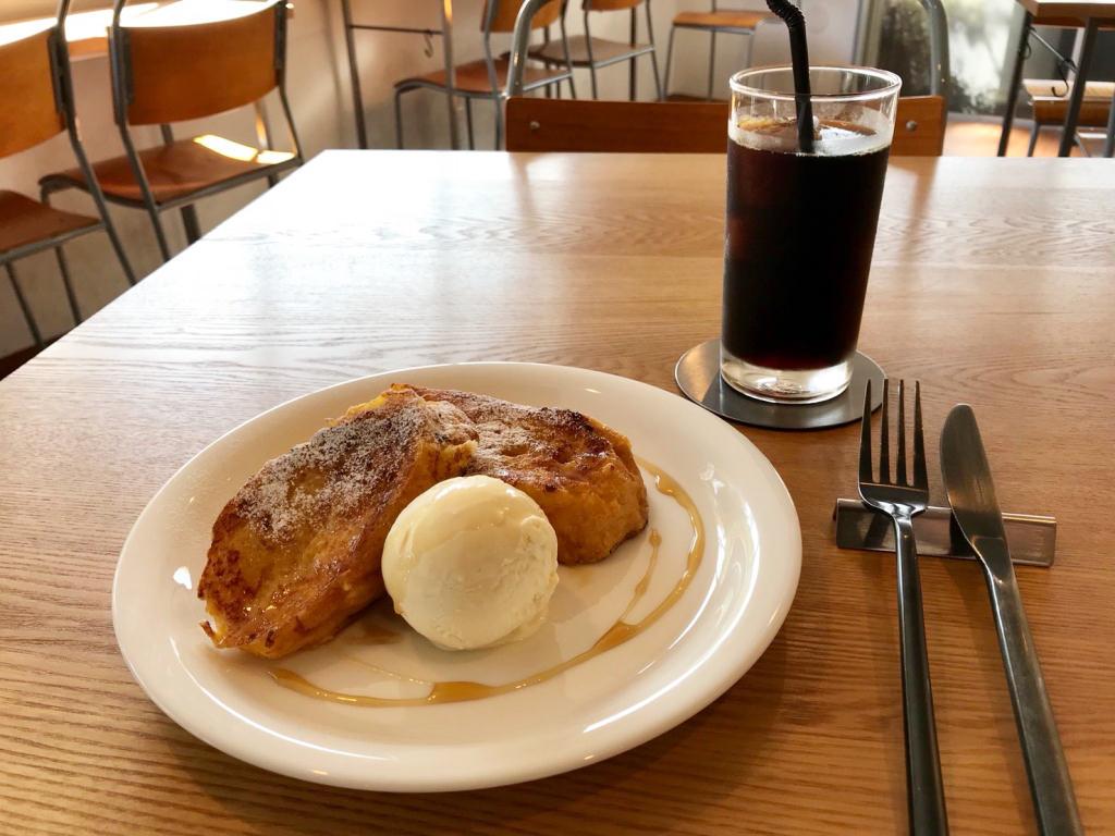 フレンチトースト プレーンとアイスコーヒー