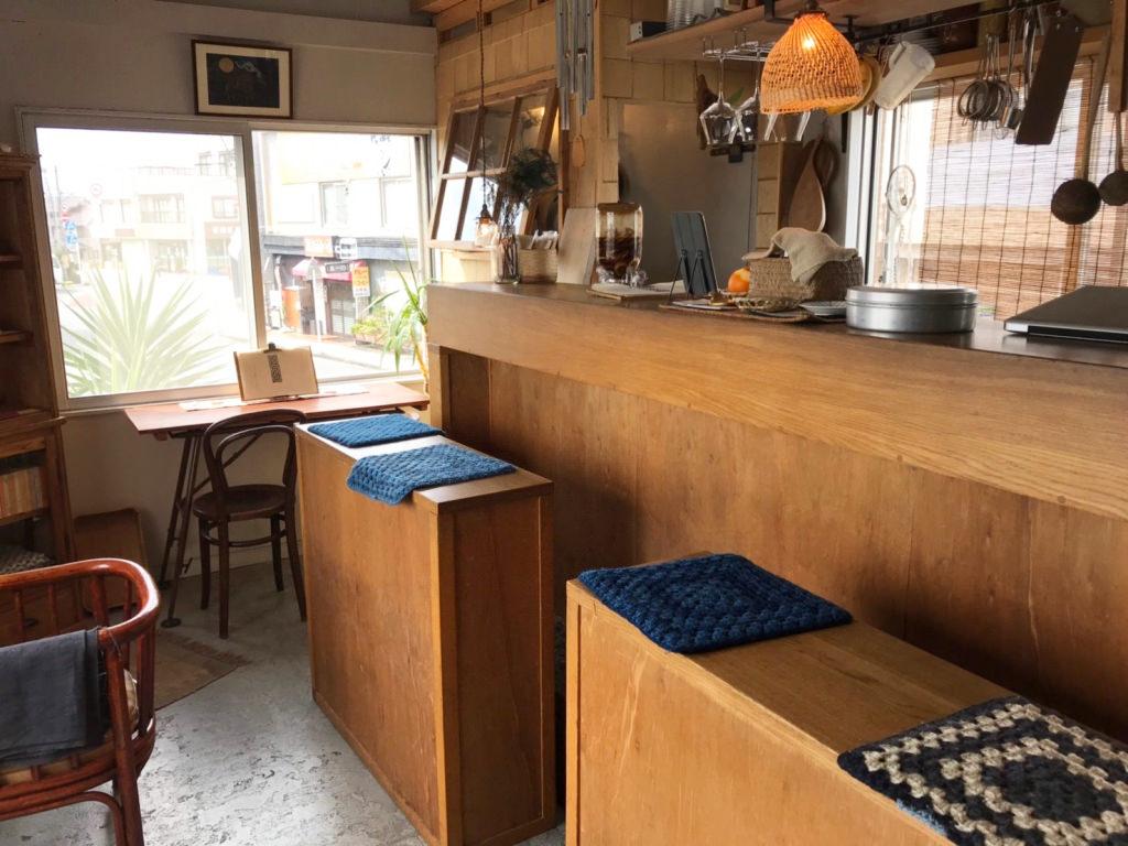 雨降り(amefuri)の店内
