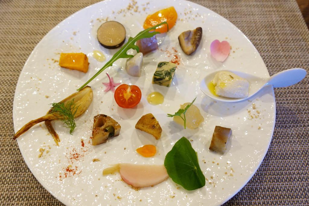 彩り豊かな15種類のお野菜パレット