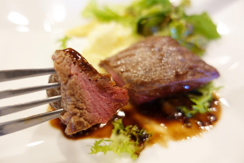 富士宮から岡村牛のステーキ