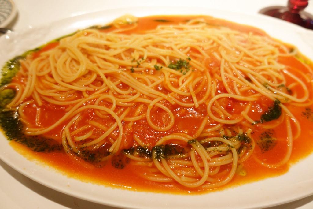桃太郎トマトで作ったトマトソーススパゲッティ