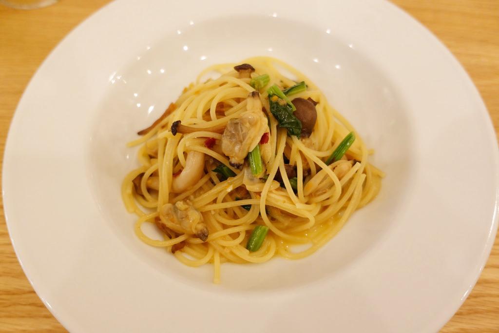 アサリの煮込みのペペロンチーノ