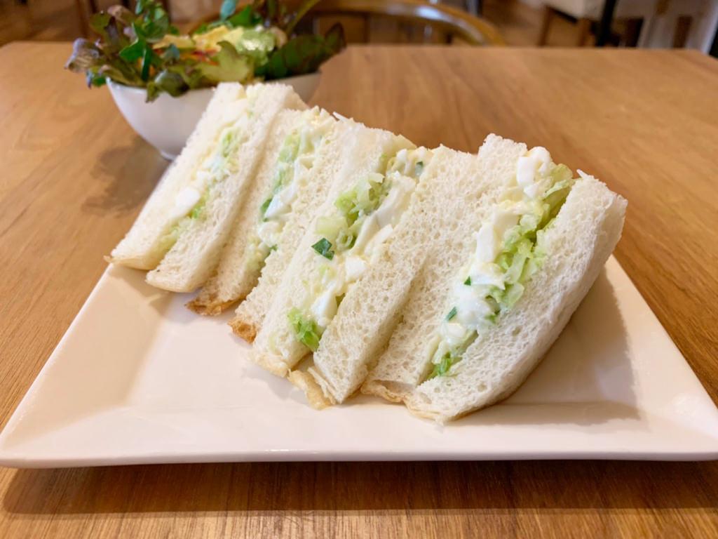 豆乳パンと平飼い卵のサンドイッチ