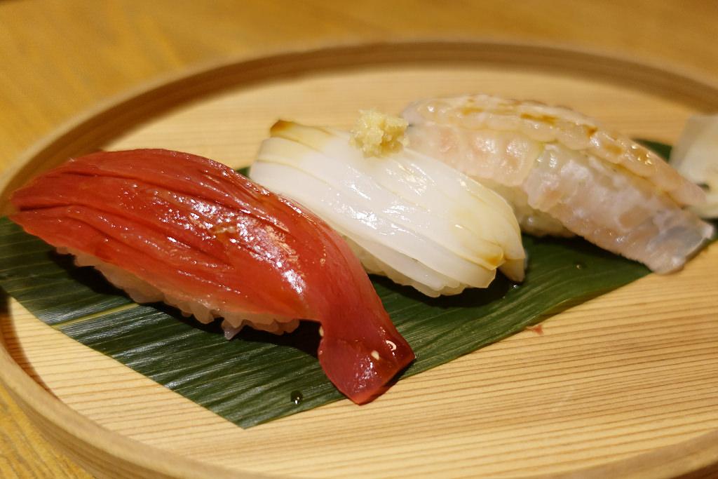寿司おまかせ三種