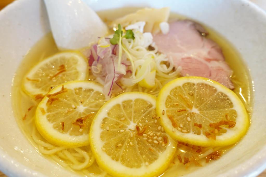 生搾りレモンラーメン