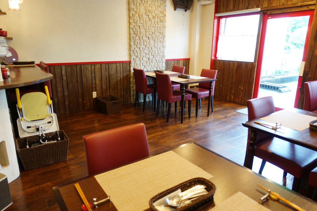 プチレストラン SAORの店内