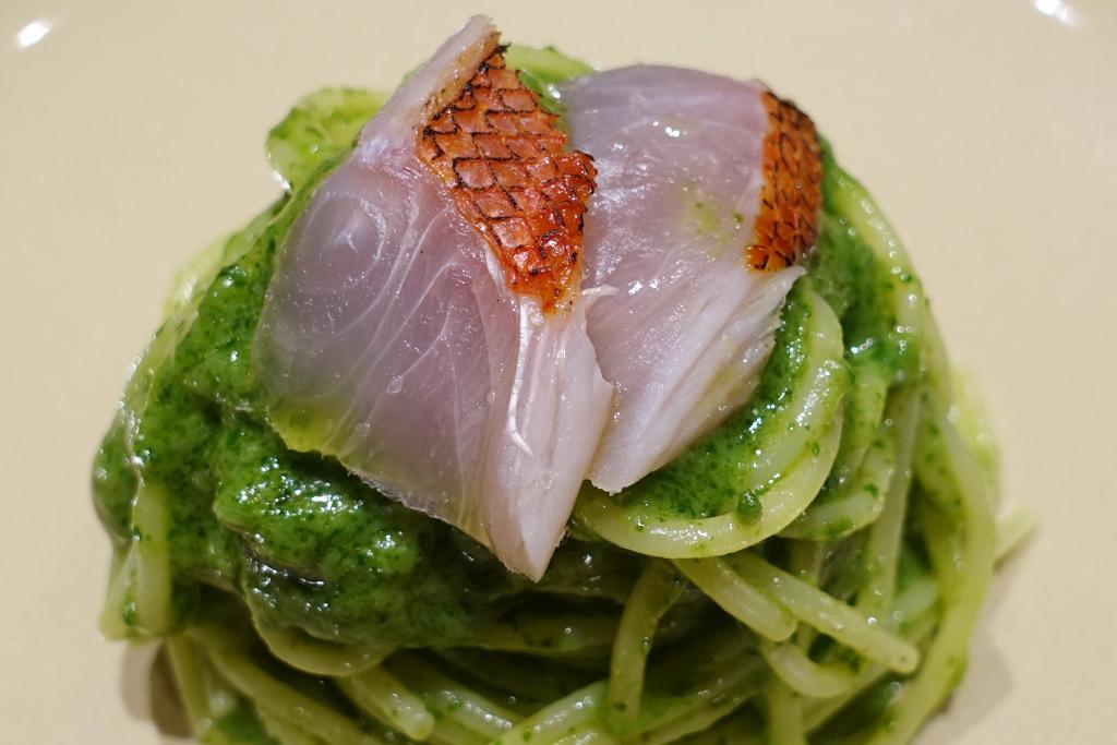 金目鯛とルッコラペーストのスパゲッティー