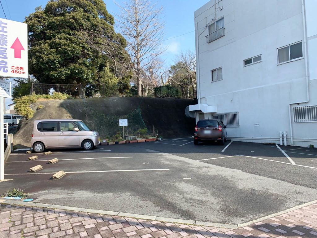フェルムの駐車場