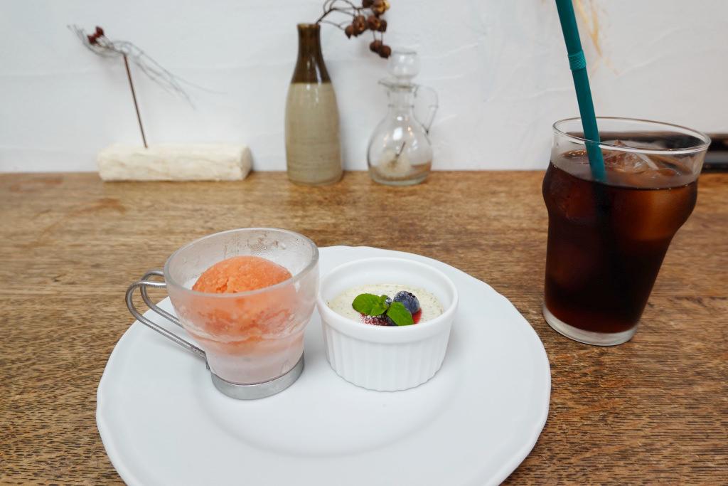 ピスタチオのパンナコッタとブラッドオレンジのシャーベット