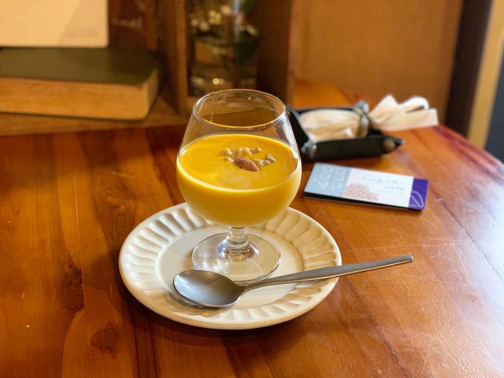 冷製のカボチャスープ