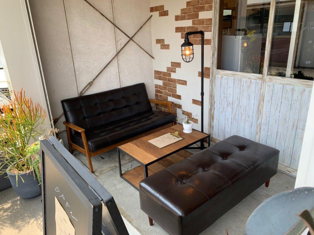 エソラコーヒーのソファー席